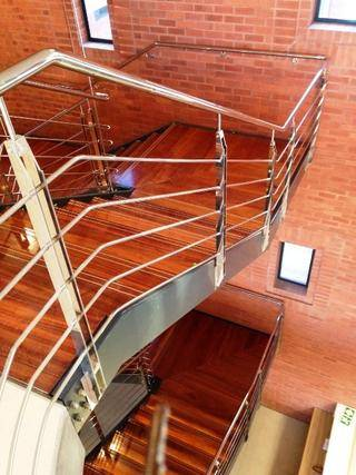 STAIRCASE WITH GRADE 316 STAINLESS STEEL HANDRAILS